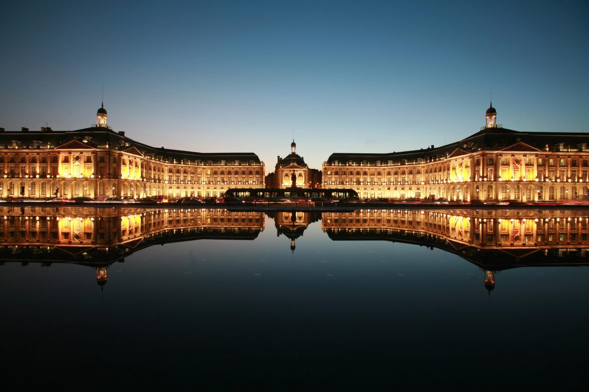 city guide Bordeaux Region City Guide Bordeaux Place de la Bourse credit Office de Tourisme de Bordeaux T