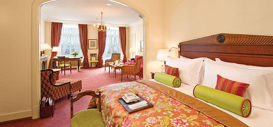 """""""Looking for a 5 star hotel in Hamburg? Then here you have -- a selection of the best 5 luxury hotels in Hamburg, Germany.""""  TOP 5 Luxury Hotels in Hamburg Best Design Guides TOP 5 Hotels Hamburg Fairmont Vier Jahreszeiten 03"""