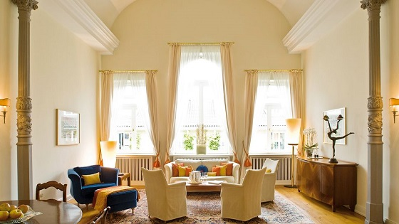 """""""Looking for a 5 star hotel in Hamburg? Then here you have -- a selection of the best 5 luxury hotels in Hamburg, Germany.""""  TOP 5 Luxury Hotels in Hamburg Best Design Guides TOP 5 Hotels Hamburg Loius C Jacob 02"""