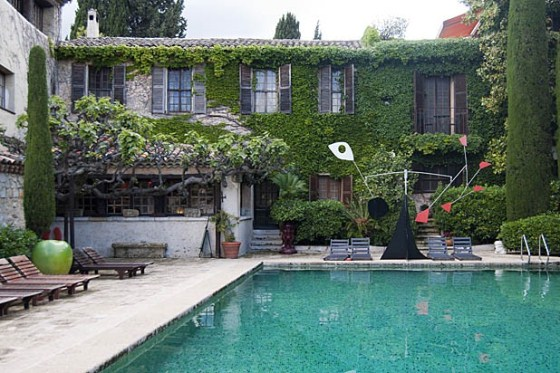 The Art of Dining in the South of France: La Colombe d'Or by Christine Chang Hanway La Colombe dOr Vence 16