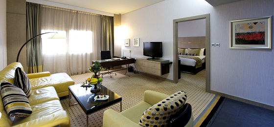 bedroom-executive  Luxury hotels in Dubai: Time Grand Plaza Hotel  bedroom executive