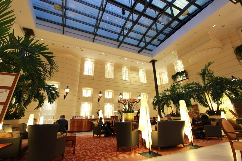 Polonia-Palace_lobby
