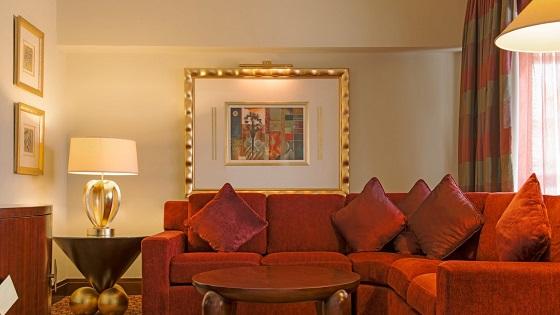 deluixesuitelivingroom  Le Méridien Abu Dhabi – Luxury Holiday Place deluixesuitelivingroom