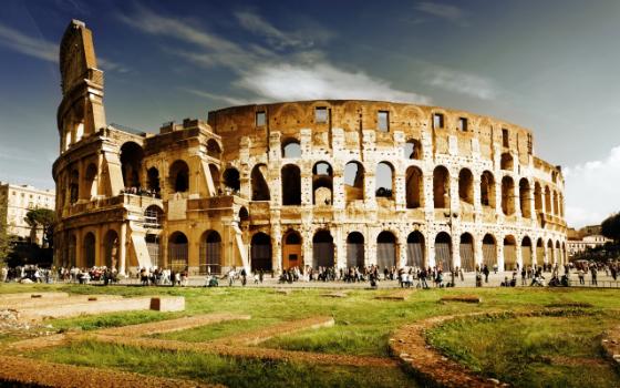 Colosseum-Best-Design-Guides-Rome
