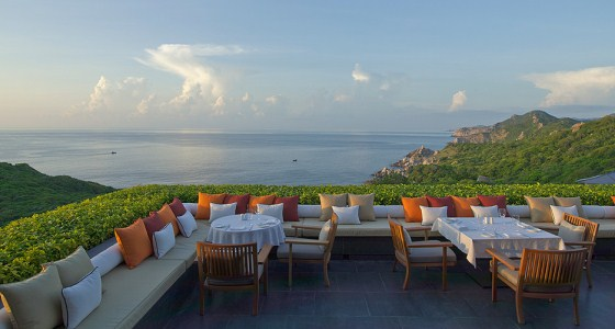 TOP 15 Breathtaking Views from the Best New Hotels, 1 of 3 amanoi vinh hy bay