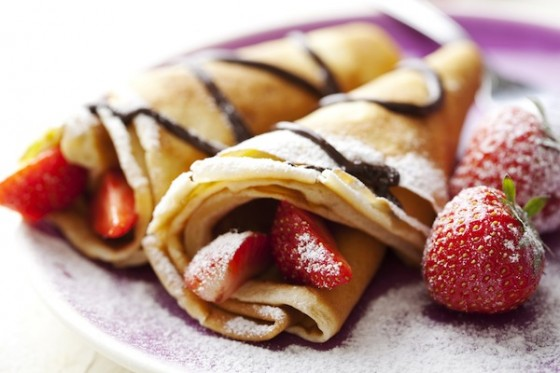 best-design-guides-food-you-must-try-in-paris-crepes-1