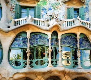best-design-guides-must-do-things-in-barselona-gaudi-1