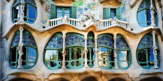 Must-do things in Barcelona best design guides must do things in barselona gaudi 11