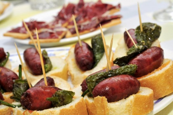 best-design-guides-must-do-things-in-barselona-pintxo-1