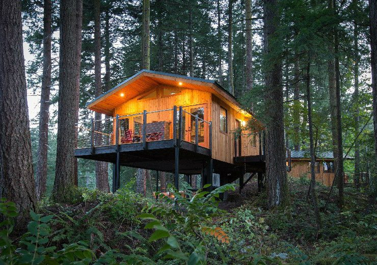 eco-friendly luxury treehouses Take A Look At These 7 Eco-Friendly Luxury Treehouses Around The World feat 3 740x520