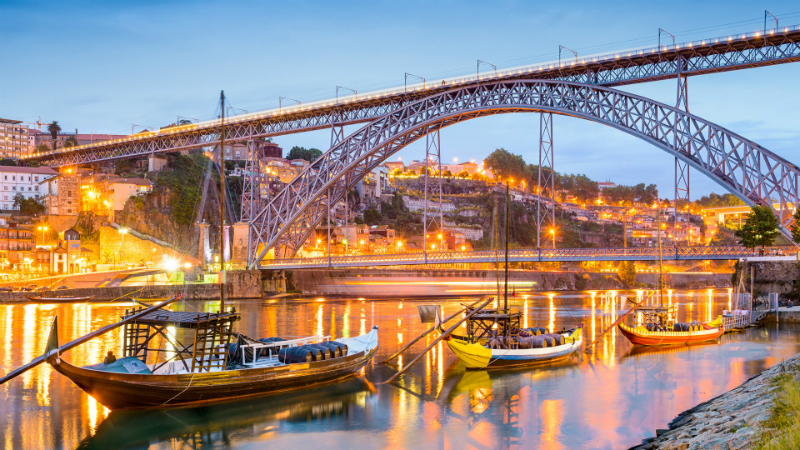 porto city guide Welcome to Porto: Discover The Porto City Guide for Design Lovers porto ponte luis innapartments destaque 1
