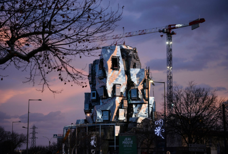 Luma Arles Tower: Frank Ghery's New Project Is Taking Shape In France Frank Gehry Luma Arles Tower: Frank Gehry's New Project Is Taking Shape In France Frank Gherys New Luma Arles Tower Is Taking Shape in France 6